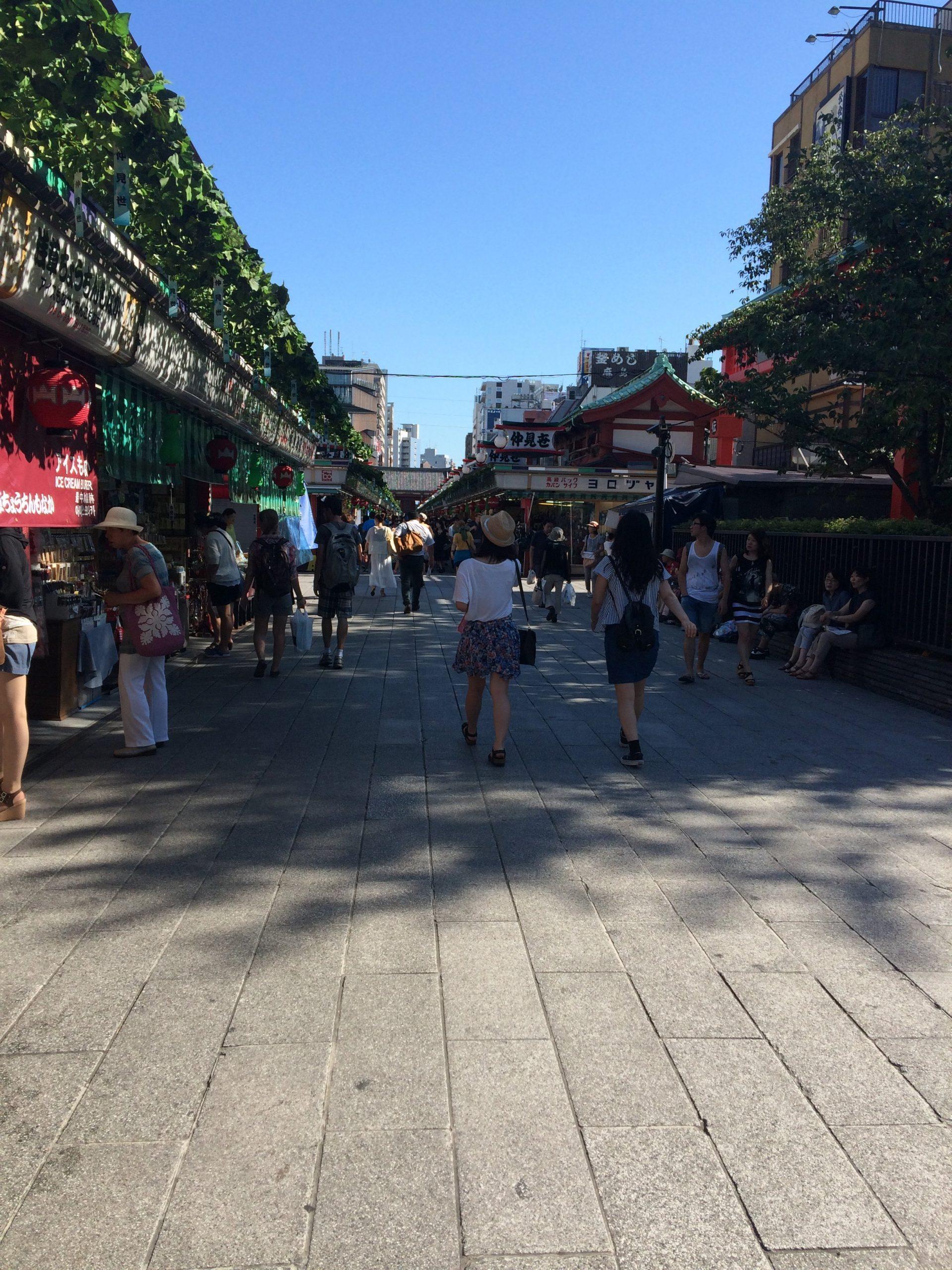 souvenir shops around senso-ji temple