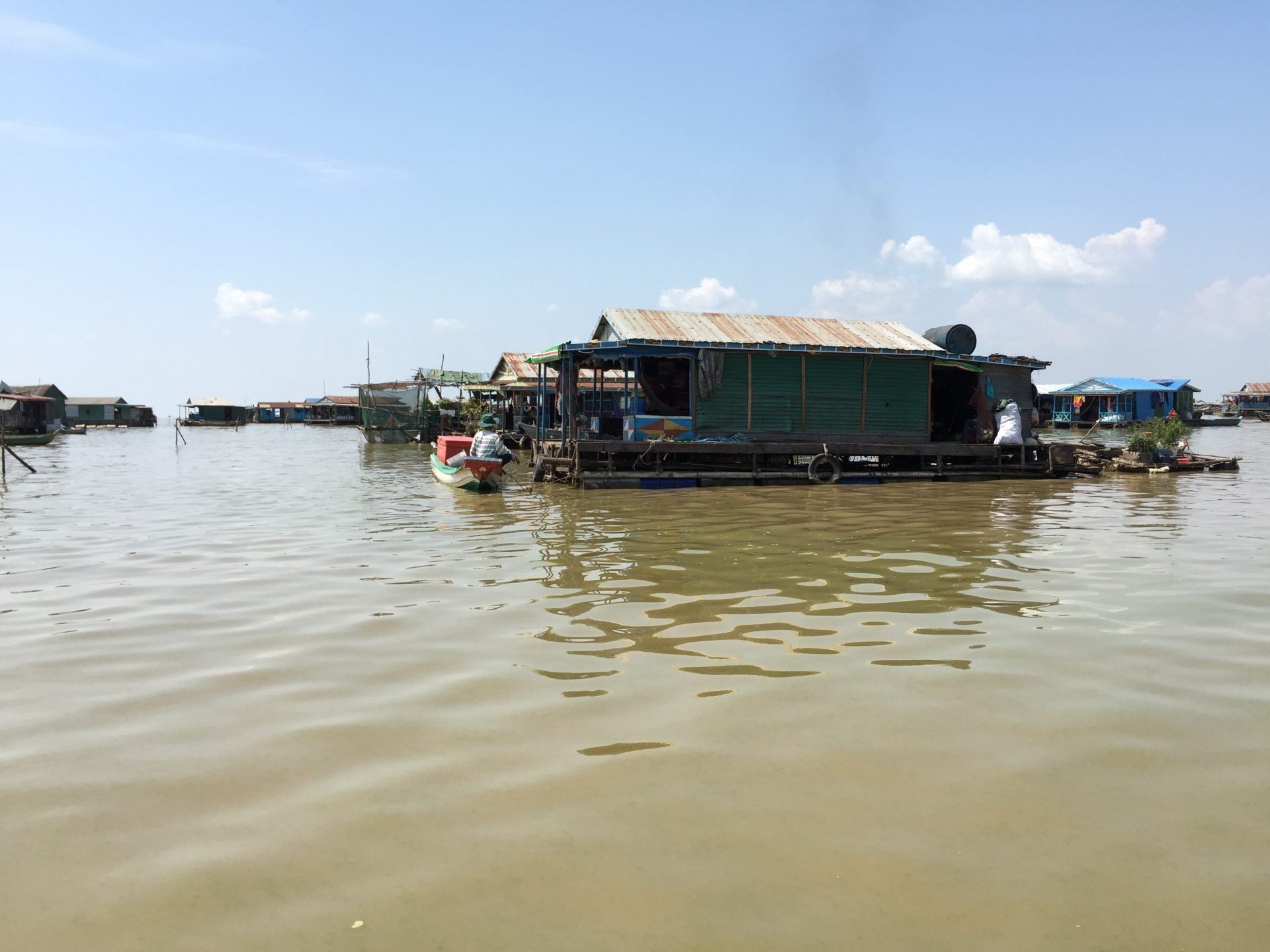 the village of Vietnamese living in the Great Lake, Siem Reap