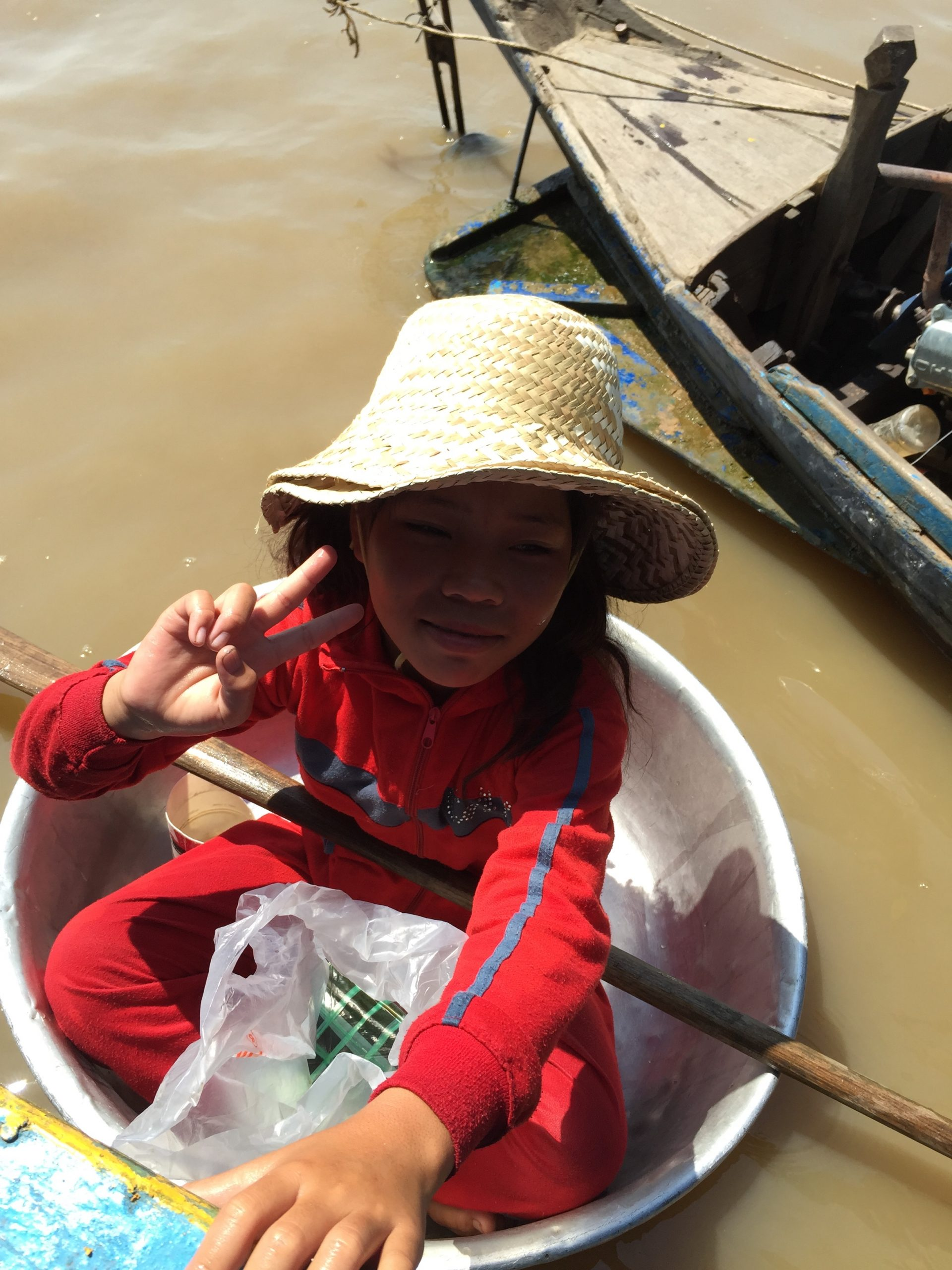 the kid living in the Great Lake, Siem Reap