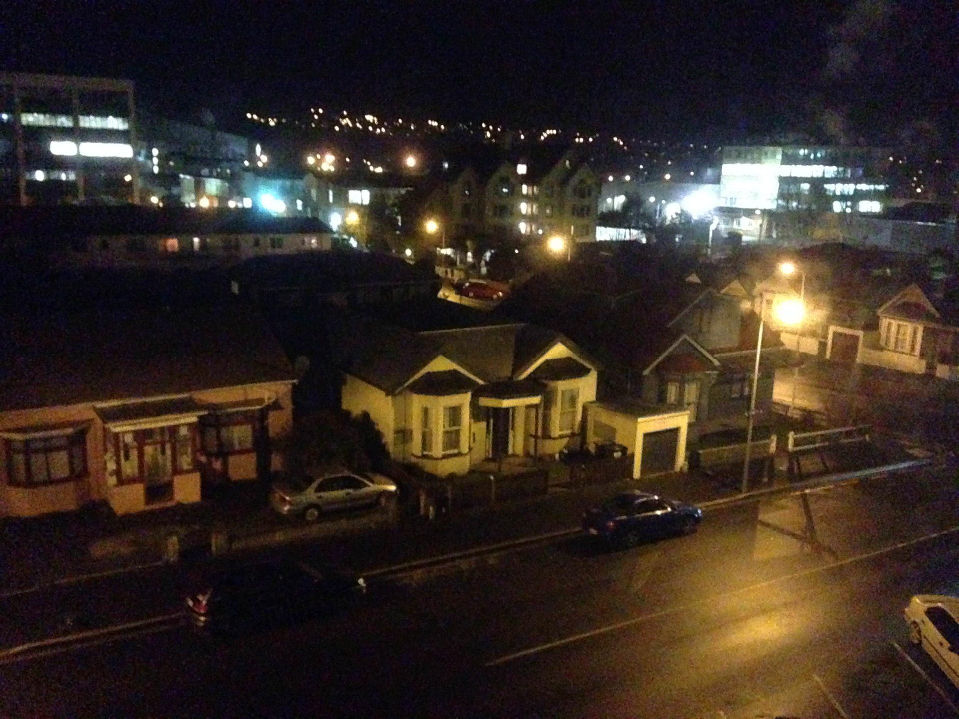 life-dunedin-newzealand-night-thebroadlife-travel-house