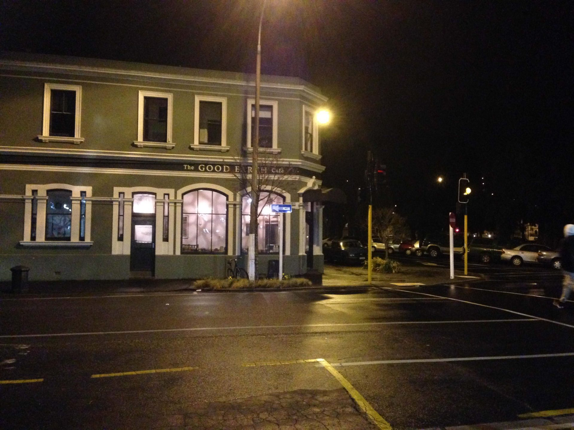 life-dunedin-newzealand-night-thebroadlife-travel
