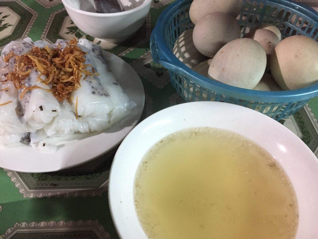 Bánh Cuốn, Vietnamese stuffed pancake, in Meo Vac style.