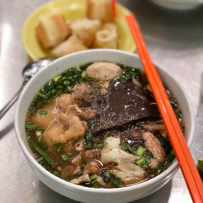 Bánh canh cua, Vietnam crab thick noodle soup, vietnamese cuisine, saigon food