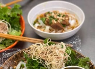 mi quang da nang - quang style noodle soup reviewed by the broad life
