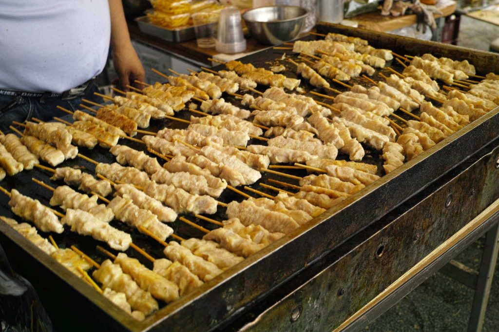 Yakitori, street food to enjoy when travel to Japan