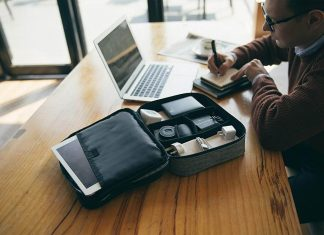 must-have iPhone accessories for travel
