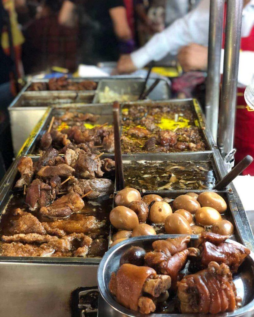 Taiwanese cuisine at Taipei night market