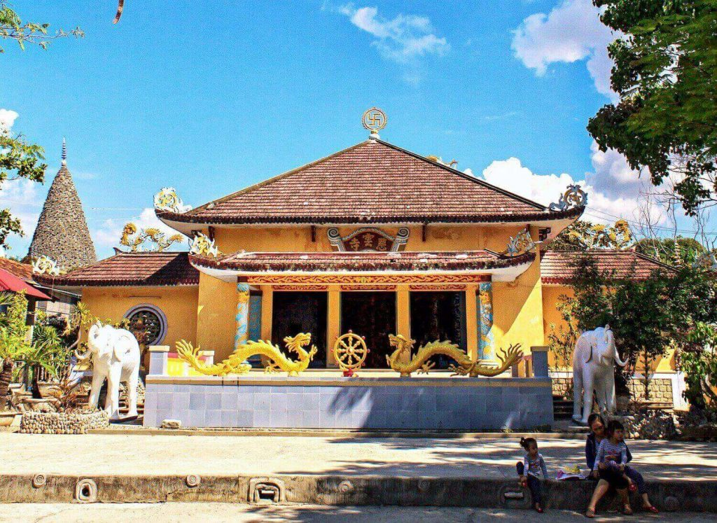The Great Hall of Tu Van Pagoda