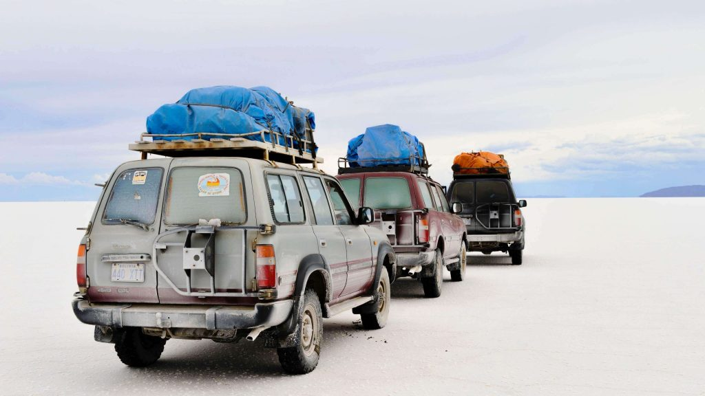 Roof Rack is especially in need for cars in road trip