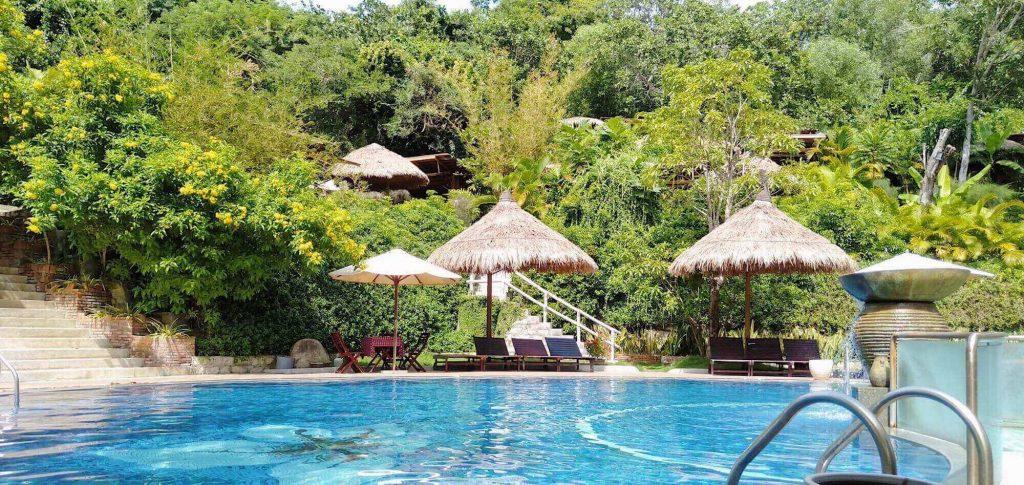 Enjoying hot mineral pool at Thap Ba in the 5 days 4 nights Nha Trang trip