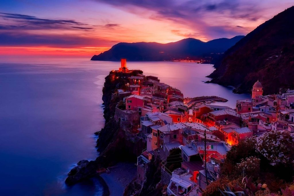 Almafi Coast, Italy is amazing for a life changing trip