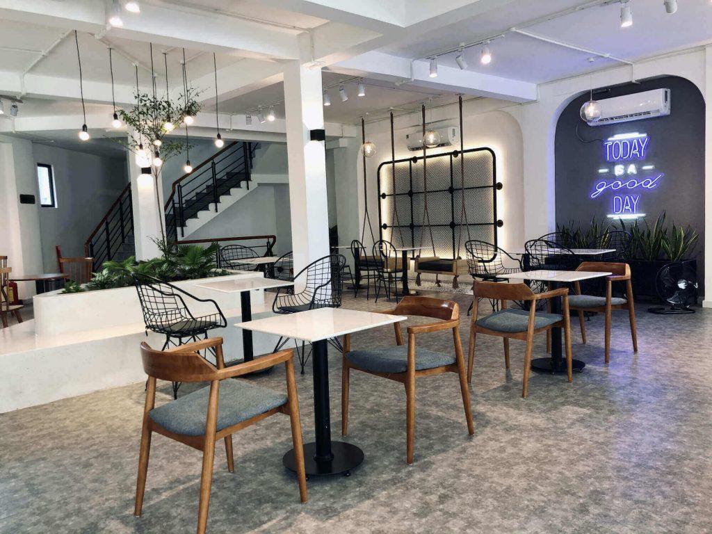 Open Coffee's upper floor