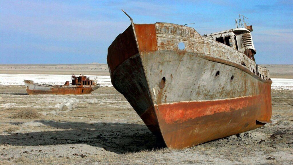 The fishing vessels are rusted for a long time