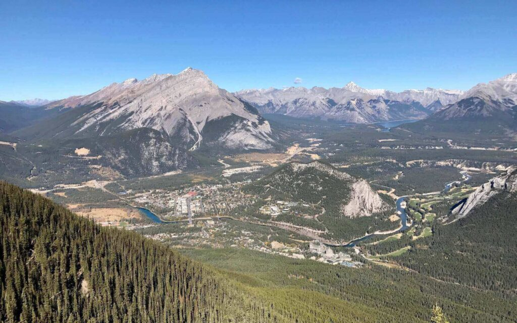 travel from toronto to see view of Banff Town from the above