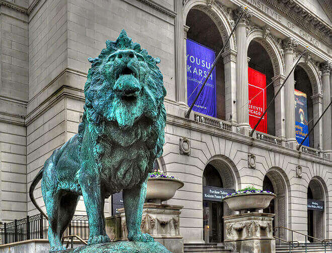 The bronze lion in front of the Art Institute of Chicago