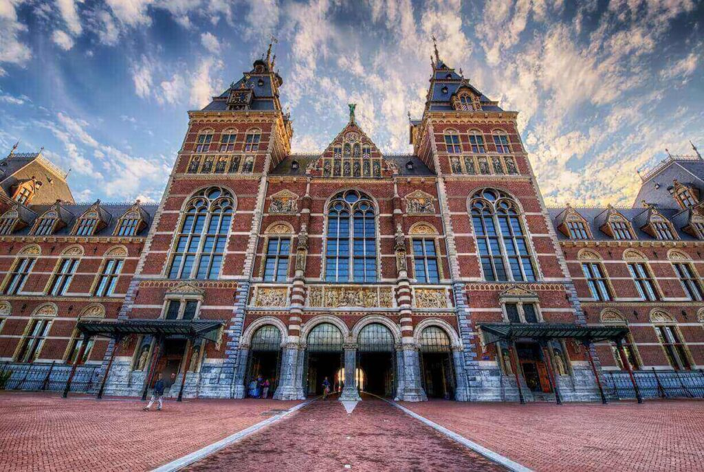 Rijksmuseum in Amsterdam provides online exhibition via its virtual museum tours