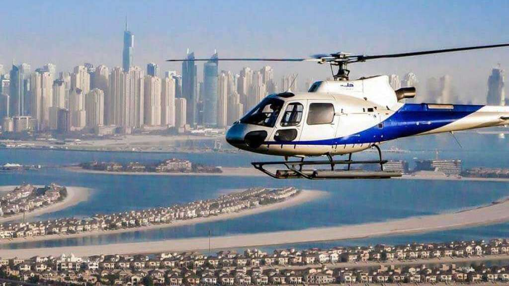 use helicopter to watch Dubai from the above