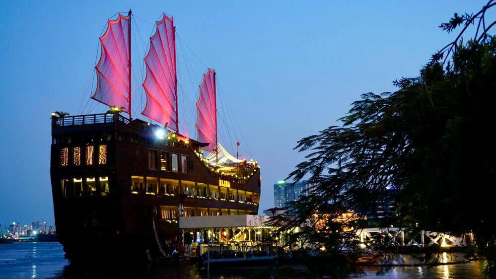 elisa boat restaurant at bach dang wharf